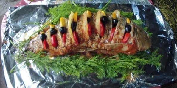 Карп на мангале с овощами