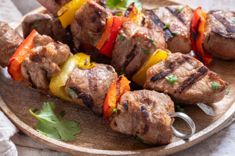 Шашлык на минералке из свинины – рецепт быстрого приготовления