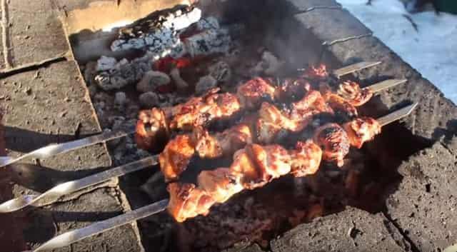 Сочный шашлык из свинины: 12 новых способов приготовления