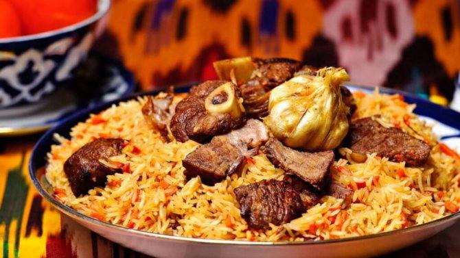 Рецепт: ароматный свиной плов с узбекскими нотками