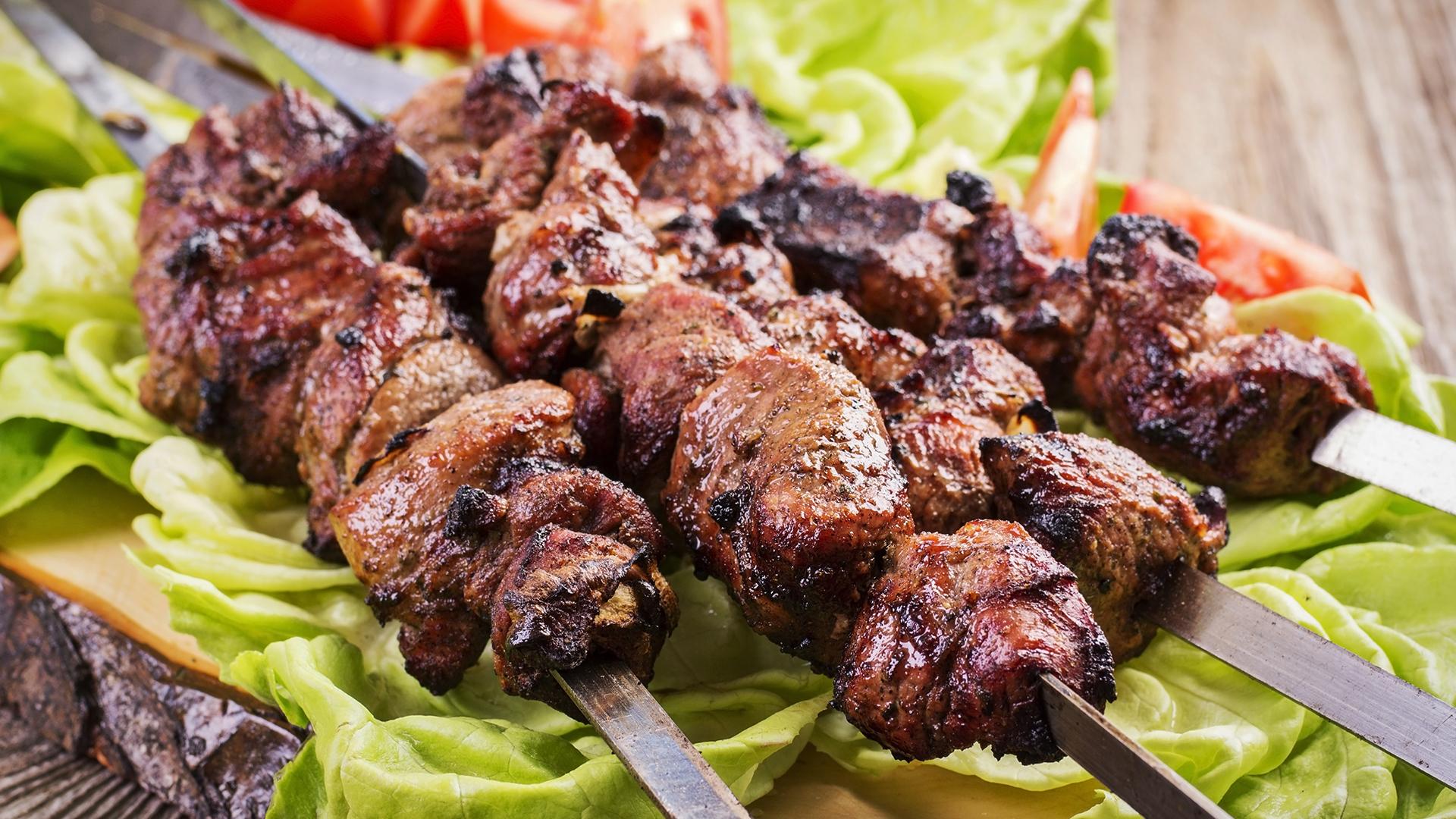 Шашлык по-кавказски - 8 самых вкусных рецептов от шеф-поваров с мировым именем