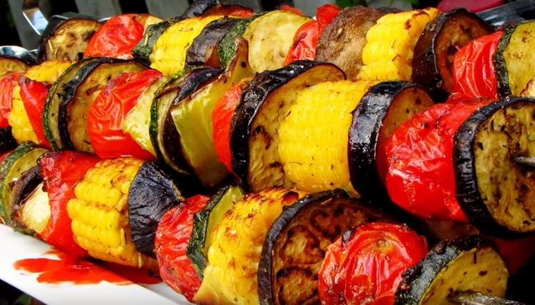 Шашлык из свинины с овощами на мангале - 8 пошаговых фото в рецепте