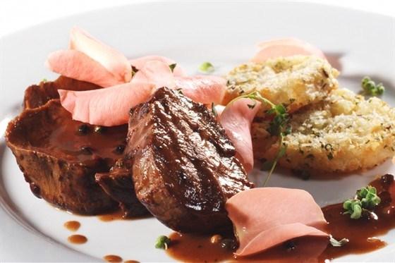 Пикантный соус к мясу с красным вином