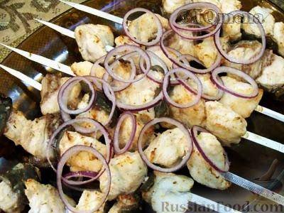 Шашлык из сома: рецепты маринадов, готовим на мангале, на решетке, в духовке - onwomen.ru