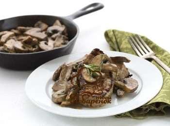 Свинина с грибами и сыром в духовке - 9 пошаговых фото в рецепте