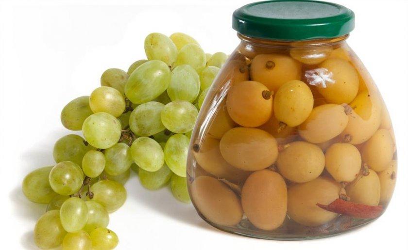 Топ 13 рецептов приготовления маринованного винограда на зиму