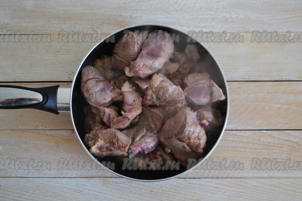 Баранина жареная на сковороде с луком. как вкусно пожарить баранину - рецепты с фото, особенности приготовления и рекомендации