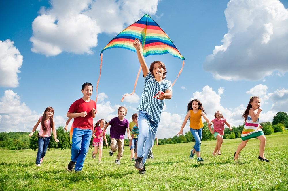 Как развлечь детей на воздухе: спокойные игры для детей и взрослых на пикнике