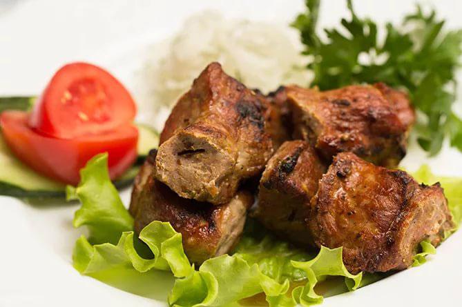 Вкусные и простые в приготовлении маринады для свиных ребрышек на мангале или гриле