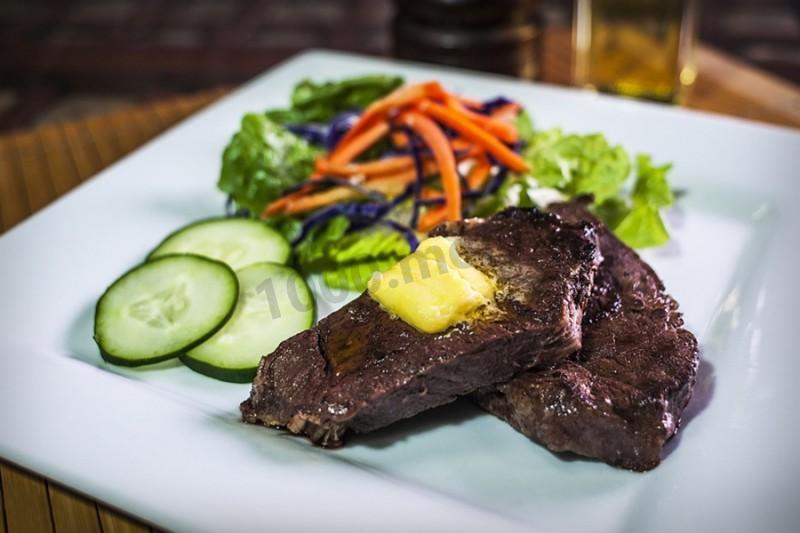 Как приготовить стейк из говяжьего филе запеченный в духовке