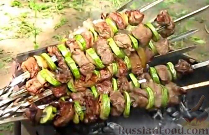 Мягкий шашлык в вине из свинины на углях