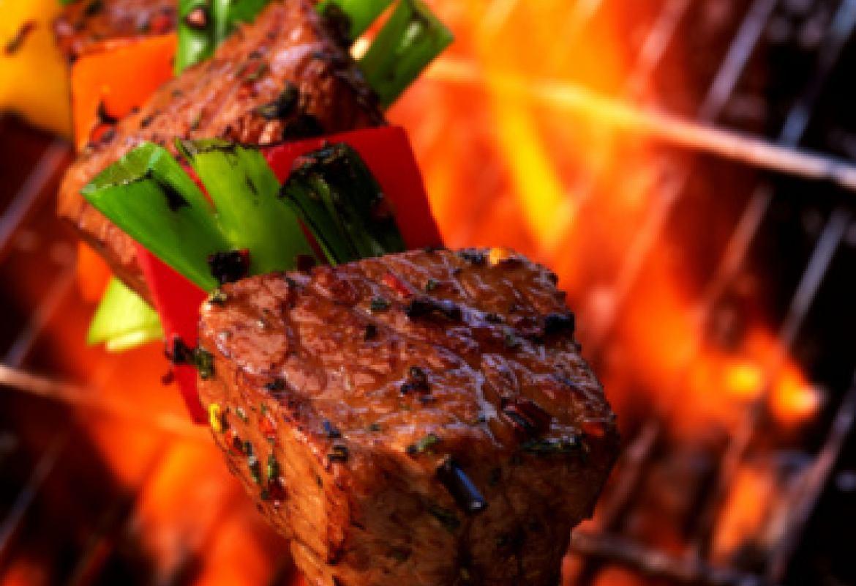 Шашлык в томатной пасте на углях