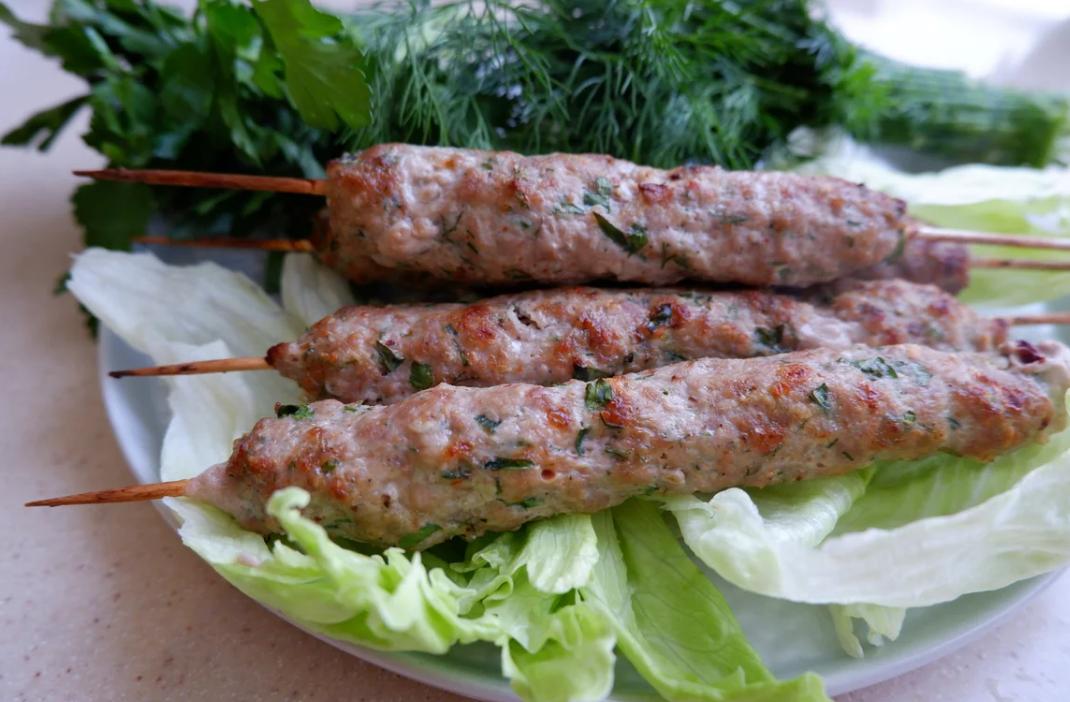 Люля-кебаб из баранины – чудесная альтернатива шашлыку! рецепты люля-кебаба из баранины на мангале, в сковороде и в духовке