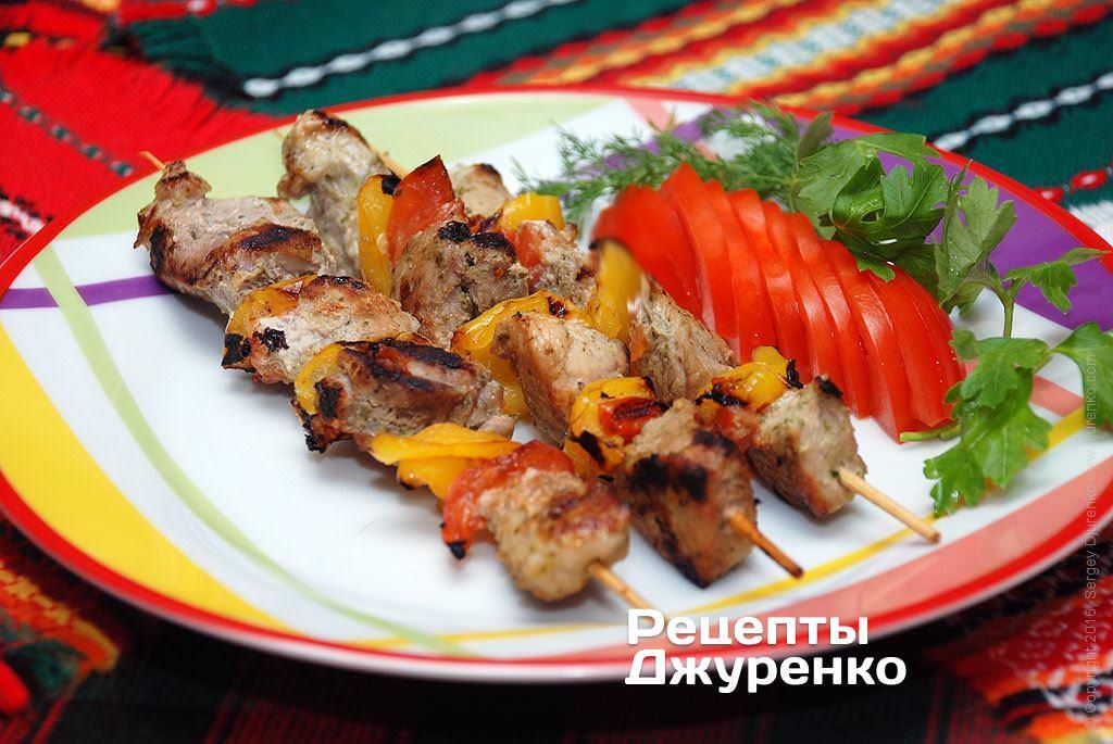 Шашлык из свинины на сковороде с соусом - 9 пошаговых фото в рецепте