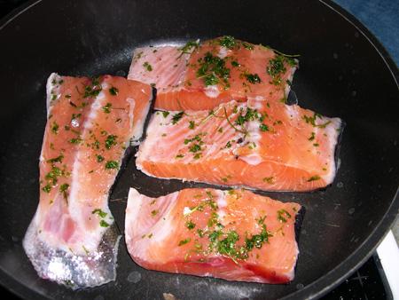 Стейк из лосося на сковороде рецепт