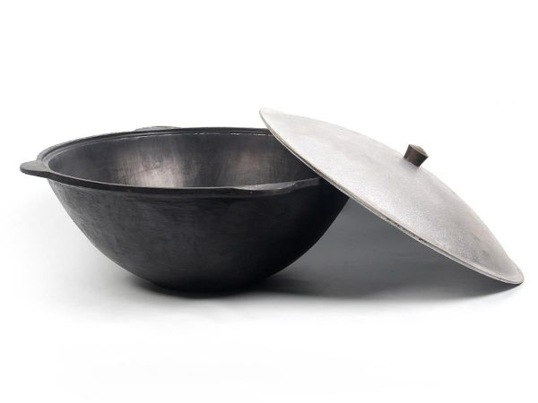 Прокаливание старых и новых чугунных сковород: убираем грязь и нагар
