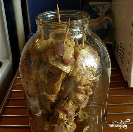 Шашлык в банке в духовке - 8 рецептов из свинины, курицы, индейки