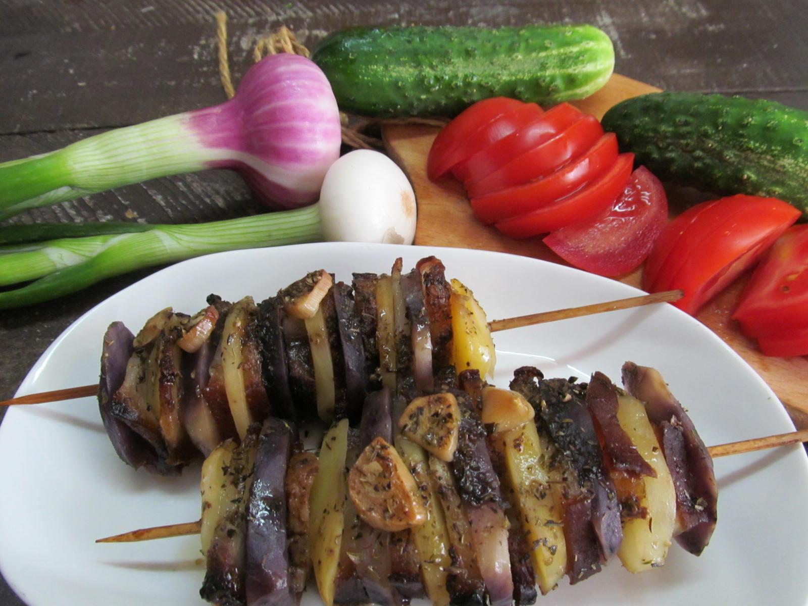Шашлык из картошки с капченым салом в духовке рецепт с фото