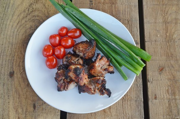 Лучшие рецепты шашлыка в банке в духовке (из разного мяса и с разными соусами)