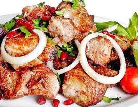 Шашлык из свинины: самый вкусный маринад, чтобы мясо было мягким и сочным