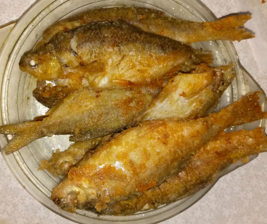 Как пожарить речную рыбу на сковороде — сколько времени и как правильно жарить