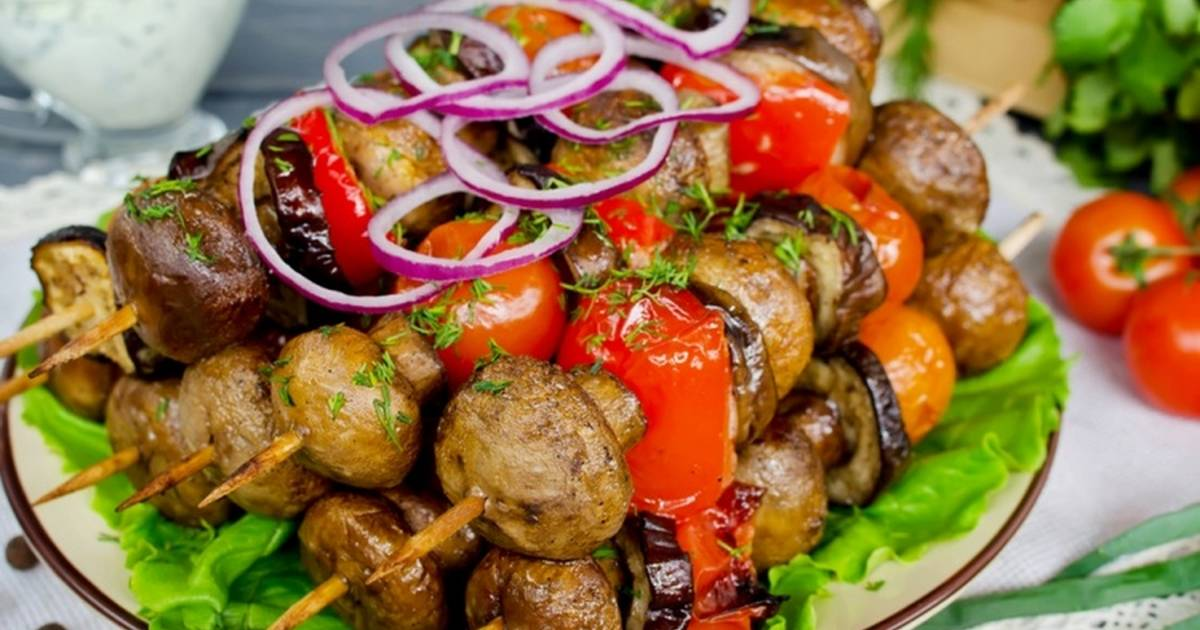 Шашлык из грибов шампиньонов: 8 лучших рецептов