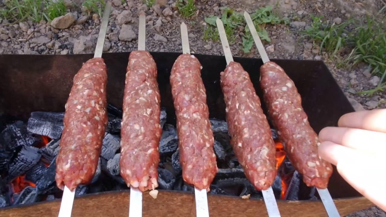 Люля кебаб на шампурах из свинины в духовке