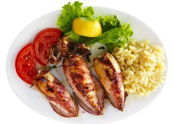 Шашлык из кальмара: пошаговое описание рецепта с фото, особенности приготовления