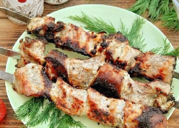 Шашлык из свинины маринованный в сметане