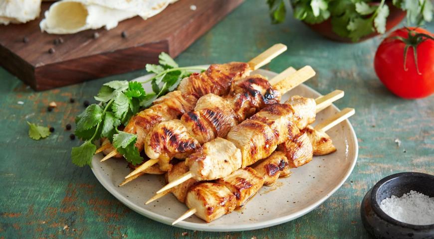 Как замариновать шашлык из курицы в кефире/ рецепты | фоторецепт