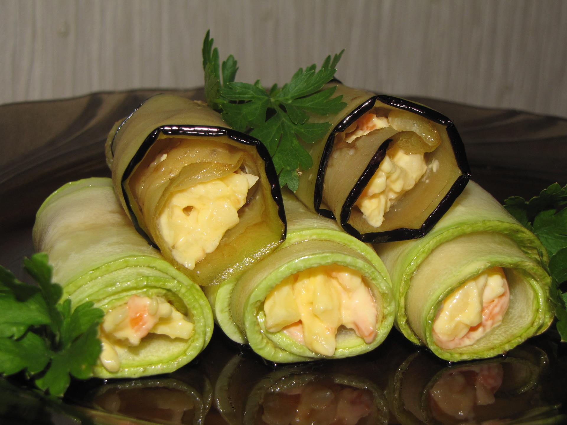 Рулетики из кабачков: 10 восхитительных рецептов с разнообразными начинками