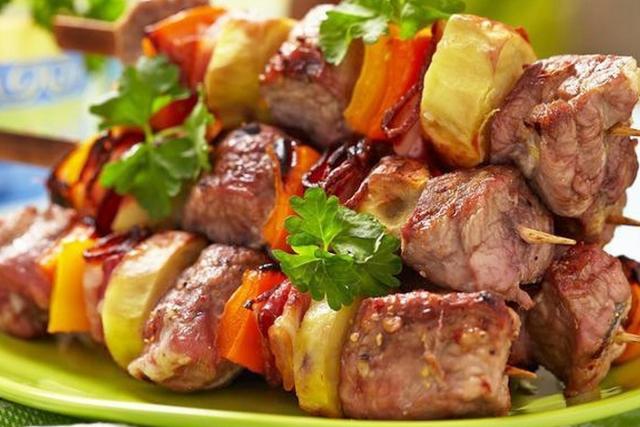 Сочный мягкий шашлык из свинины