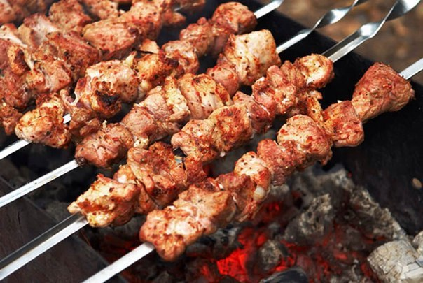 Шашлык из свинины: самый вкусный маринад, чтобы мясо было мягким.