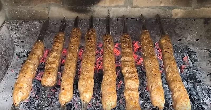 Люля кебаб: как вкусно приготовить на мангале, чтобы фарш не отваливался