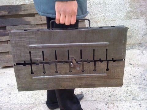 Из чего и как можно сделать складной мангал своими руками