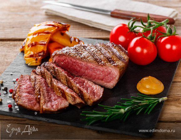 Как жарить стейк из свинины на сковородке