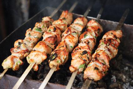 Самые лучшие маринады для шашлыка из свинины. топ-8 рецептов  вкусных маринадов для шашлыка: из курицы, баранины, говядины и рыбы…