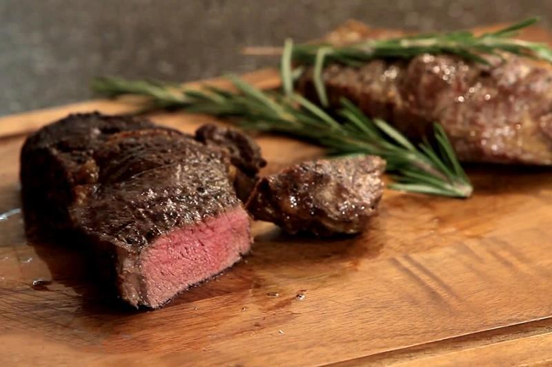Стейк из говядины — отлично пожаренный кусок мяса - рецепты джуренко