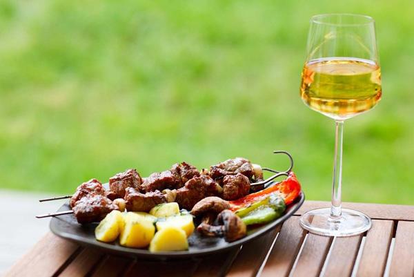 Маринад для шашлыка с вином: 3 лучших рецепта