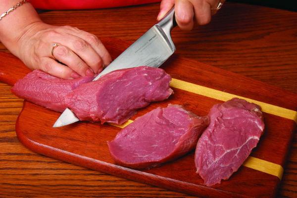 Как приготовить стейк из свинины в духовке: 4 рецепта (+отзывы)