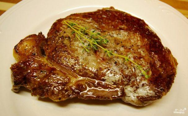 Рецепты как пожарить стейк из свинины на сковороде дома чтобы был мягким и сочным как в ресторане