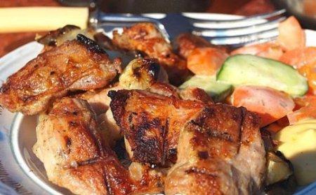 Как замариновать шашлык из свинины в майонезе