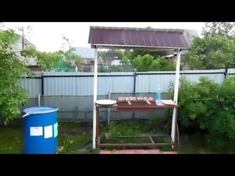 Зона барбекю для отдыха на даче