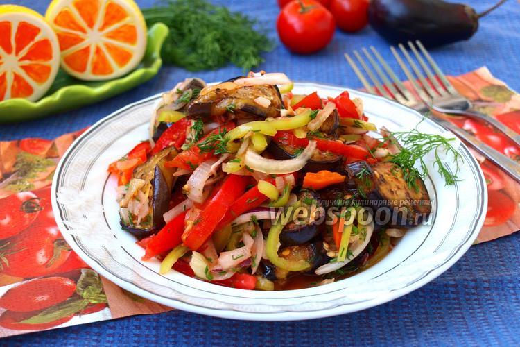 Зеленый салат — ароматная смесь из кинзы, томатов и зелени