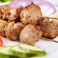 Как правильно приготовить шашлык из свинины. 2 рецепта шашлыка от профессионального повара константина ивлева