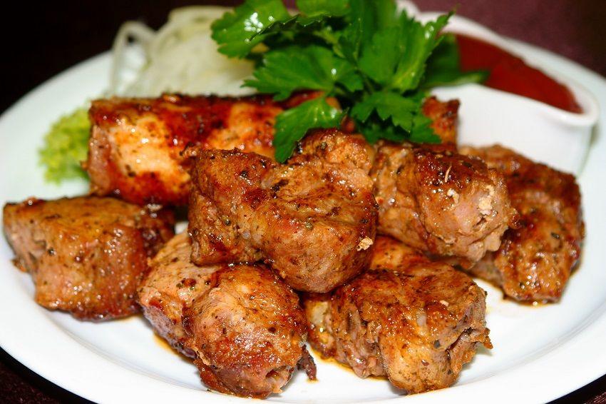 Вкусный шашлык из свиной шейки. как приготовить идеальный шашлык из свиной шеи.