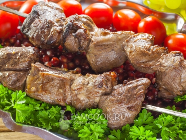 Шашлык из свинины с хмели-сунели в гранатовом соке