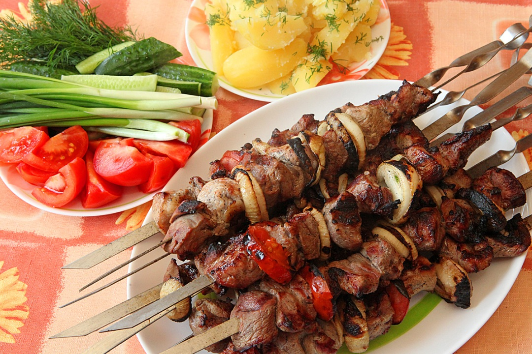 Маринад для шашлыка на минералке: 5 рецептов для свинины и курицы