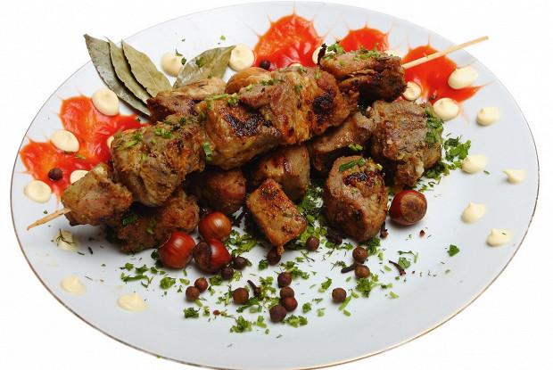 Маринад для шашлыка на кефире: 5 рецептов для разных видов мяса