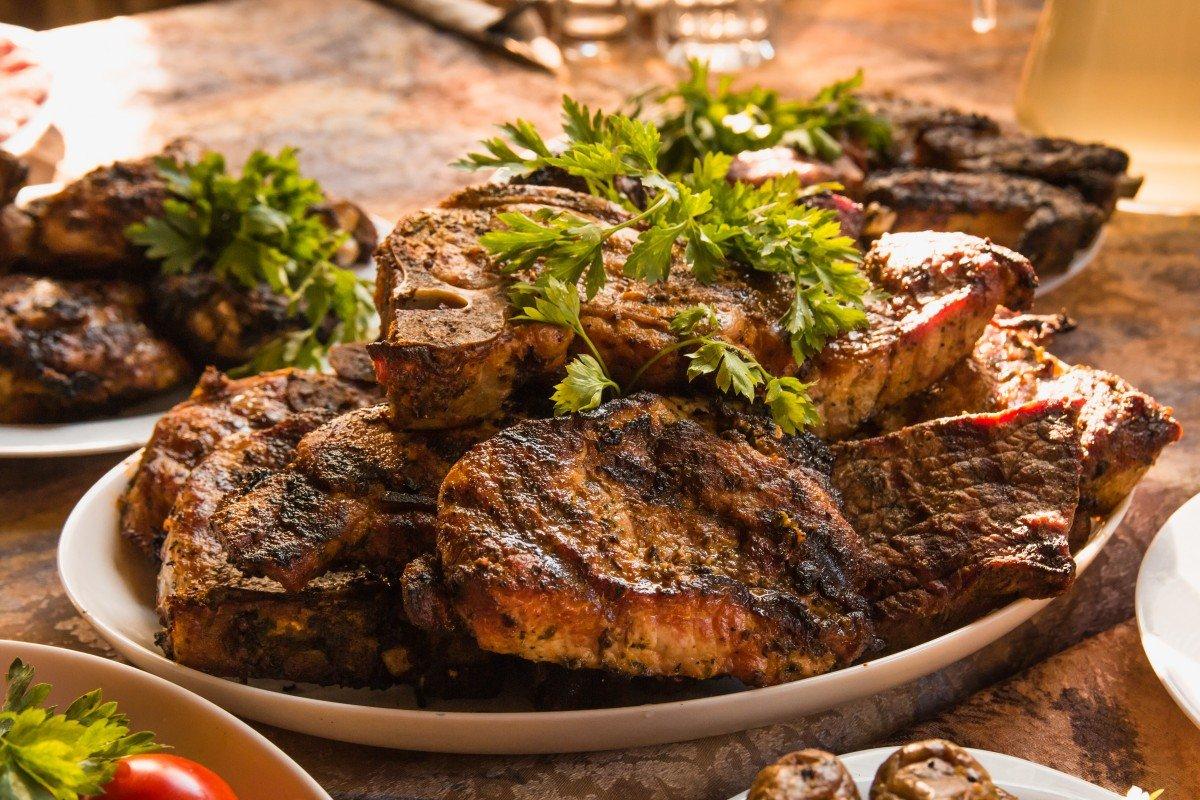 Курица, говядина, свинина и баранина: как выбрать хорошее мясо для шашлыка?